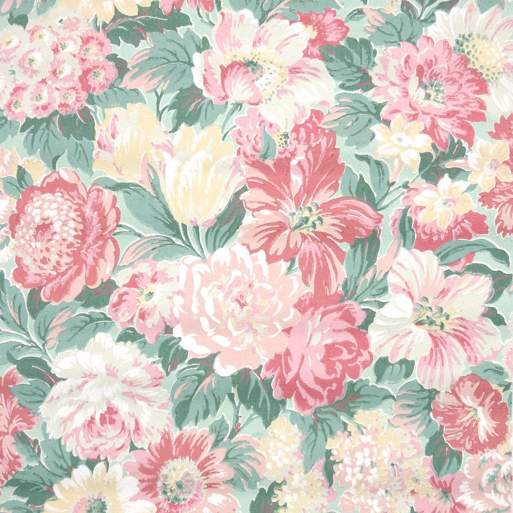 bold vintage wallpaper from the 1960s, huge flowers and