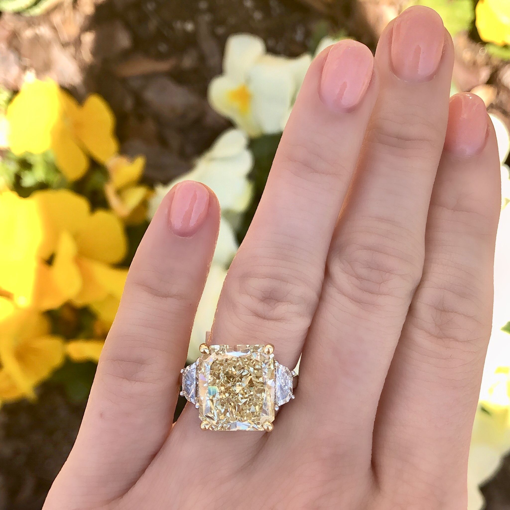 12 Carat Yellow Diamond Engagement Ring In 2020 Yellow Diamond Engagement Ring Best Engagement Rings Favorite Engagement Rings