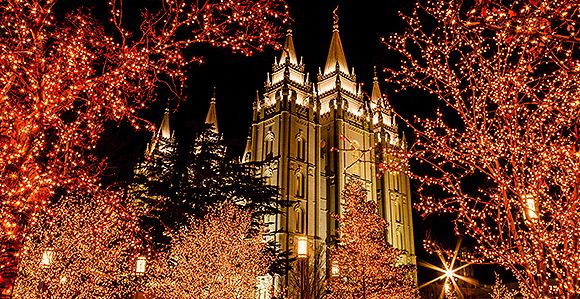 Temple Square Is So Pretty With All The Lights Check Out The List Of All The Free Activities This Christmas Season Temple Square Temple Square Lights Temple