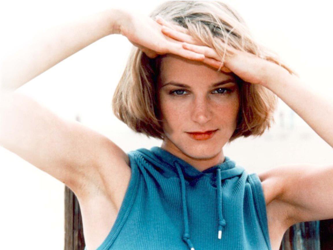 Bridget Fonda - Bilder, Infos & Biografie - ProSiebende