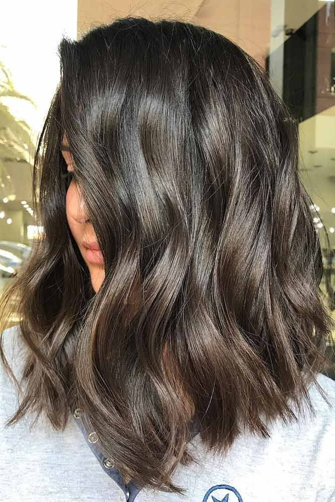 45 Untraditional Lob Haircut Ideas to Give a Try   LoveHairStyles.com ,  #Give #haircut #ideas #Lob #lovehairstyles #LoveHairStylescom #untraditional