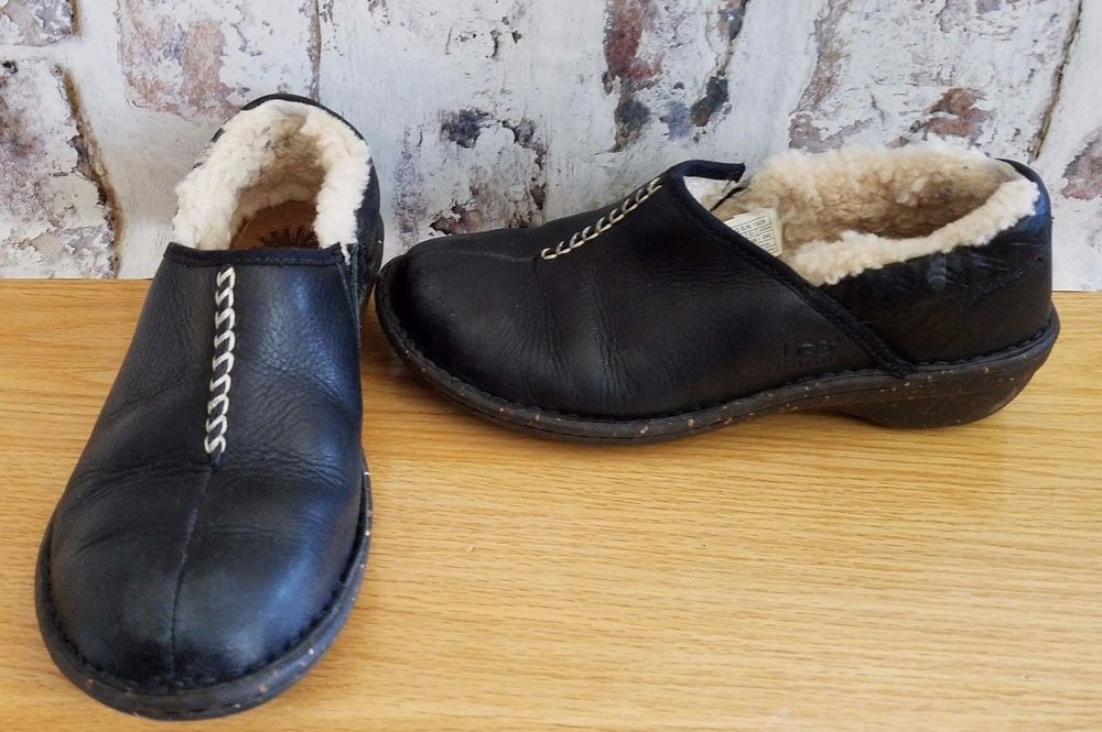 7fbf20d33ad UGG Australia Size 7 Black Leather S/N 1928 Lined Slip On Shoes ...