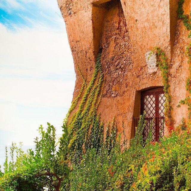 Italy / Travel:  dream house in Italy, right on the coast!