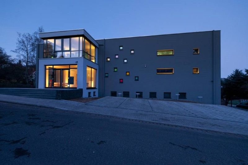 Lampenwelt Office Building in Schlitz, Germany | Commercial Building ...