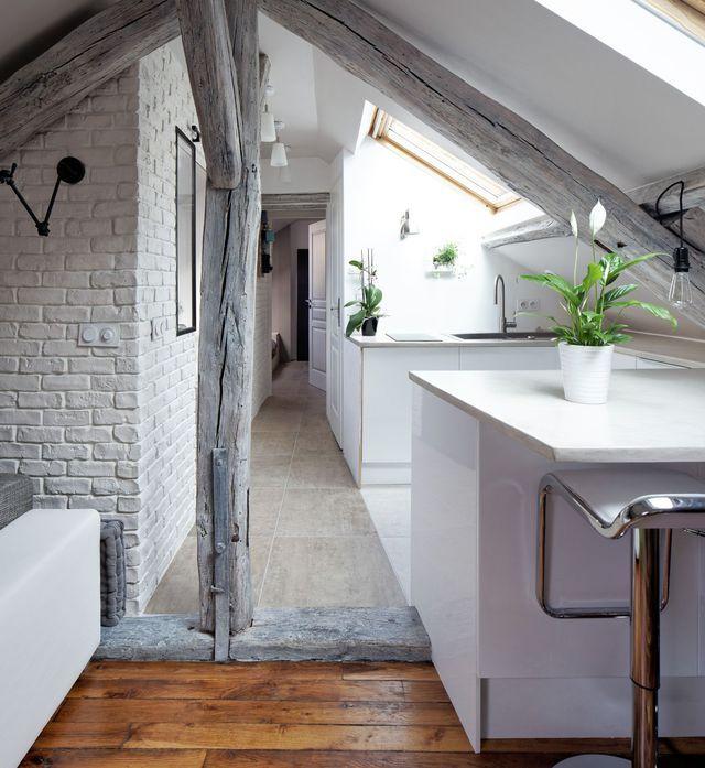 Couloir  astuces déco, peinture, papier peint Attic, Loft spaces - repeindre du papier peint