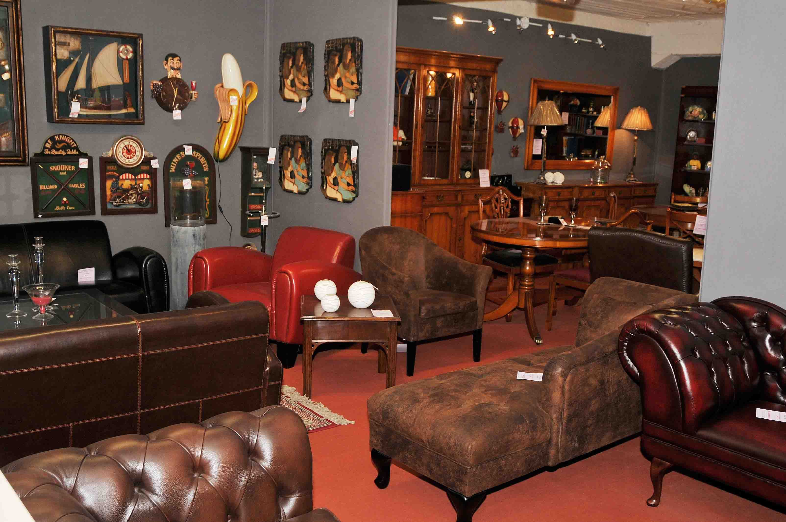 Deco Salon Chesterfield Canapés Club Et Sofas Chesterfield En Cuir De Vachette