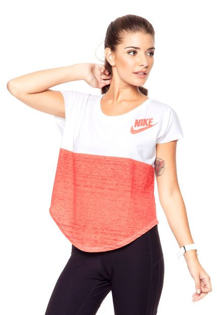 648d366300b637 Remera Blanca Nike Signal Color Block en 2019   ropa deportiva de ...