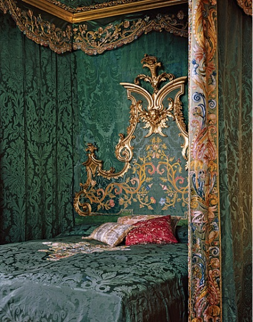 abbaac18ed Palazzo Pucci in Firenze. I like this for Annette's room, but in blue and  pink and with the bed I pinned earlier.