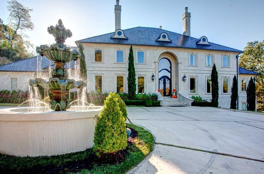 2 5 Million Lakefront Mansion In North Little Rock Ar Italian Mansion Mansions Italian Homes Exterior