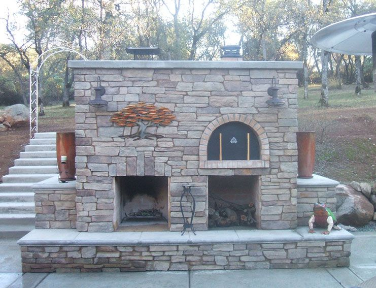 wood fired outdoor brick pizza oven and outdoor fireplace by rh pinterest com