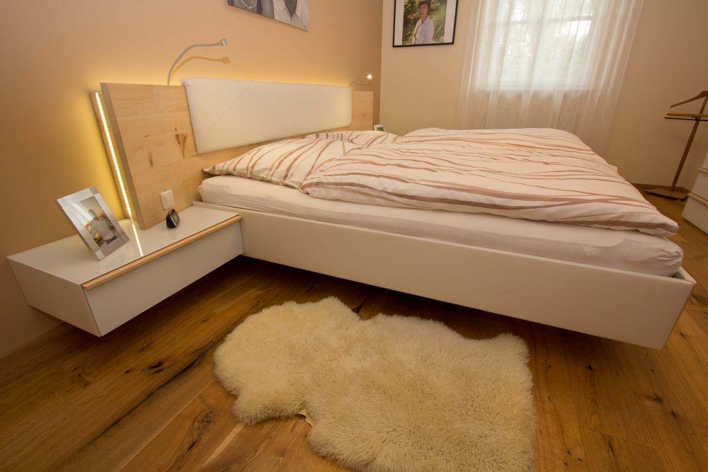 Zirbenholz Schlafzimmer in Enns in 2020 | Bed design, Bed ...