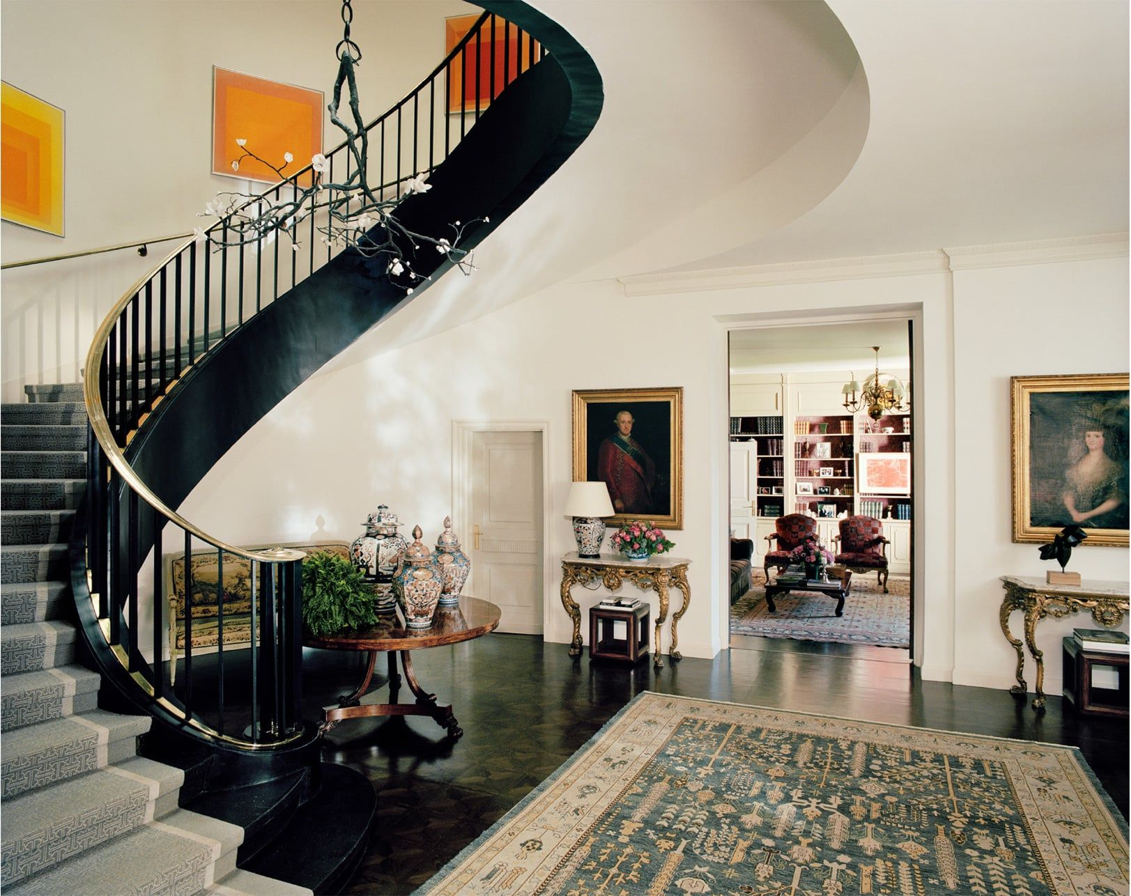 Yes to this spiral staircase A