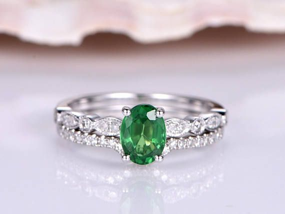 40 Beautiful Engagement Rings With Gemstones