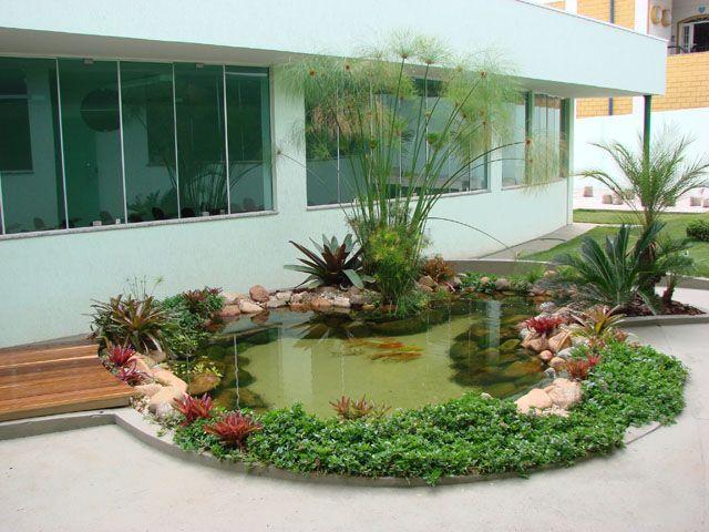 Lago artificial para peixes no jardim modelos jard n for Jardines con lagos artificiales