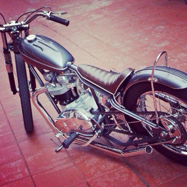 Harley davidson bsa triumph 70s chopper bobber cafe racer brat style kustom custom 2 wheels motorcycle flake paint job