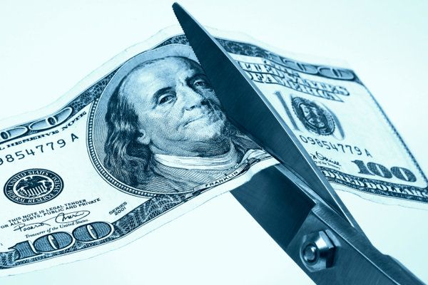 7 Ways to Cut Holiday Shopping Costs http://finance.yahoo.com/news/7-ways-cut-holiday-shopping-153742101.html