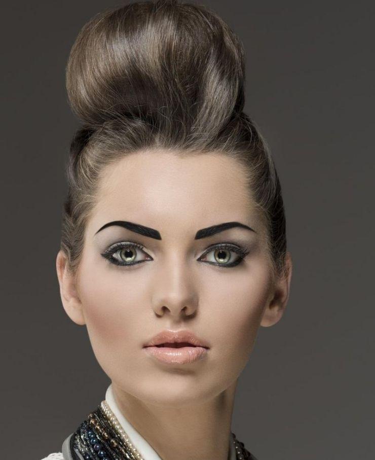 Rockabilly-Frisur-Frauen-Ideen-lange-Haare-Hochsteckfrisur ...