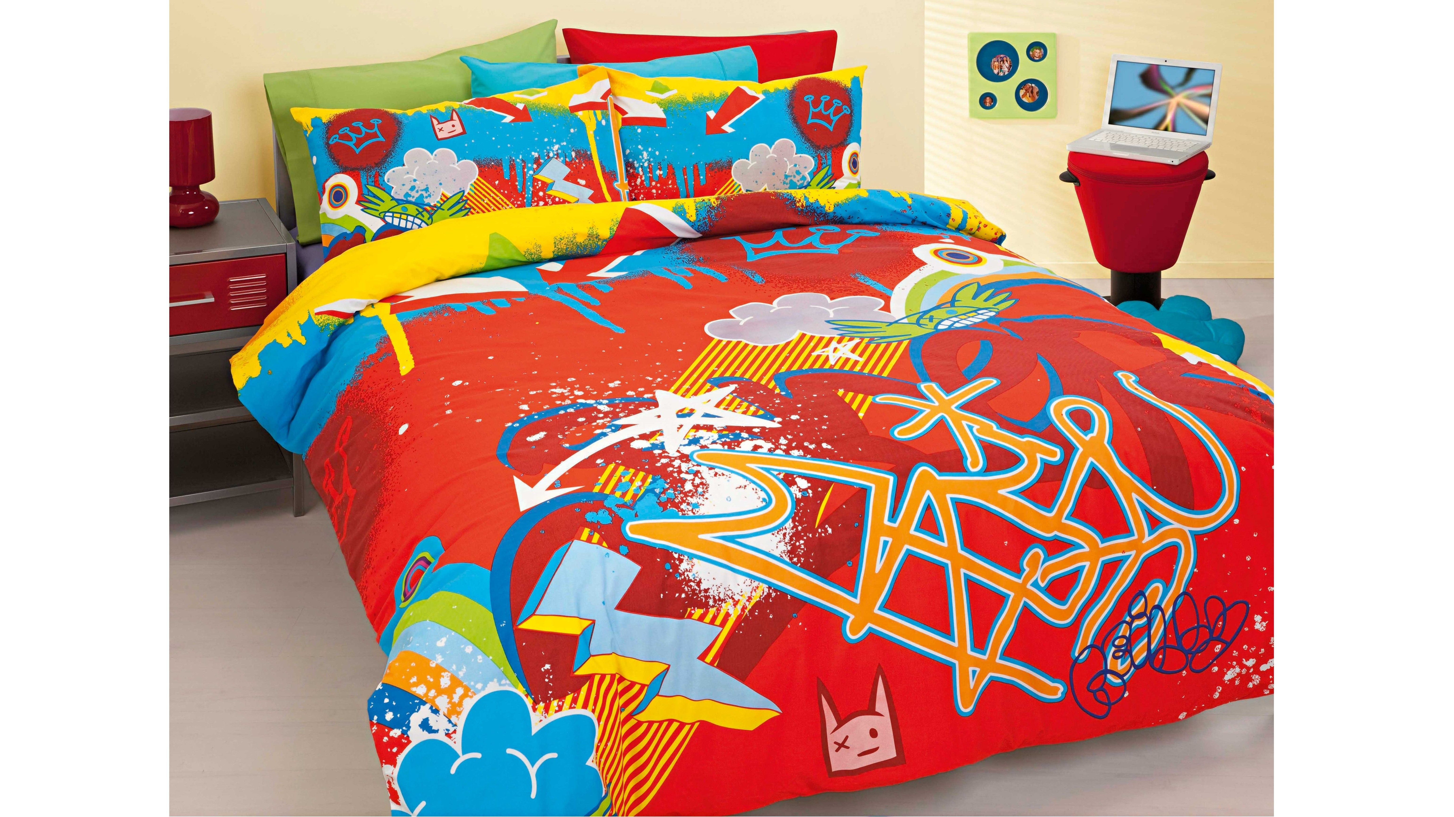 Graffiti Quilt Cover Set   a great design for Levi s room. Graffiti Quilt Cover Set   a great design for Levi s room   Kids