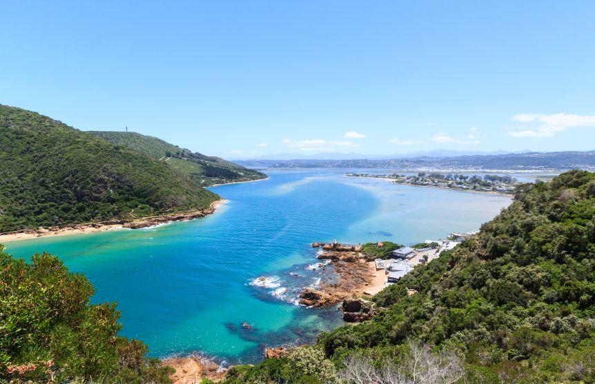 https://cardelmar-blog.s3.amazonaws.com/blog/wp-content/uploads/2014/06/South-Africa-Knysna-Lagoon-Garden-Route.jpg