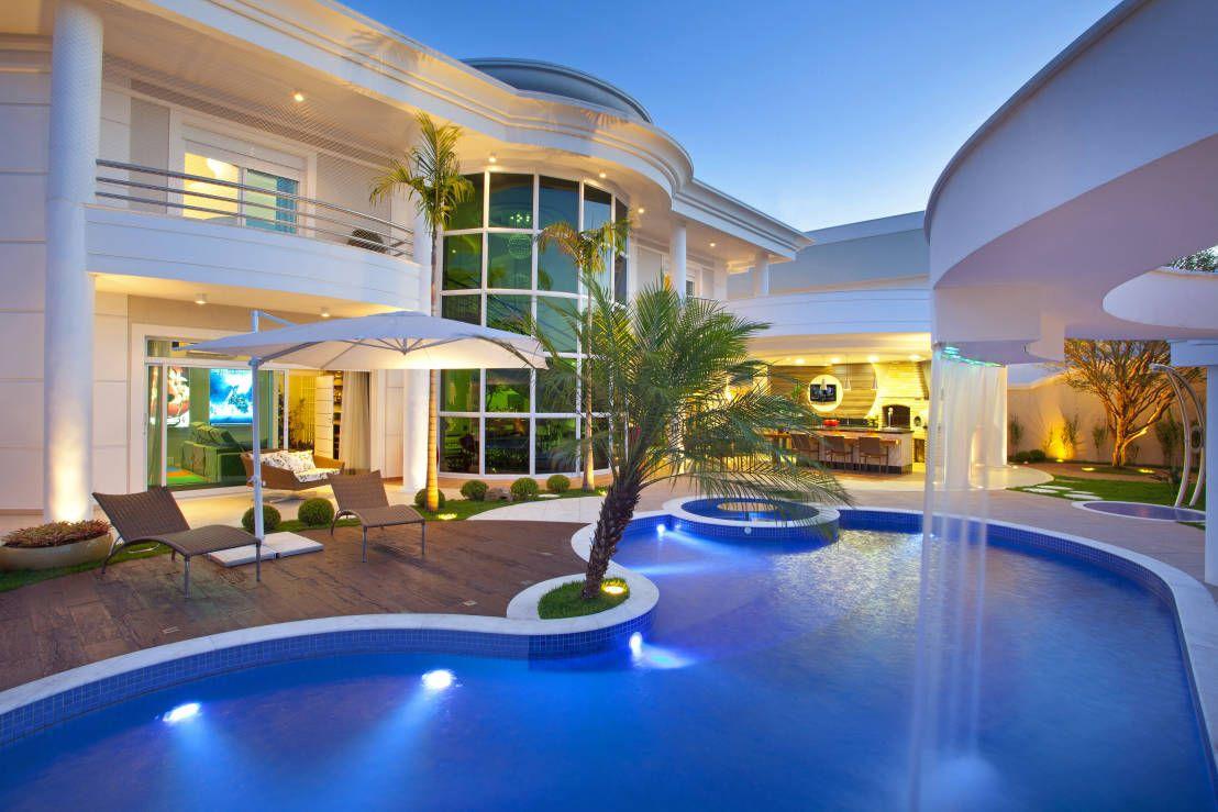 5 projetos de arquitetura com piscinas incr veis finales for Piscina premia de mar