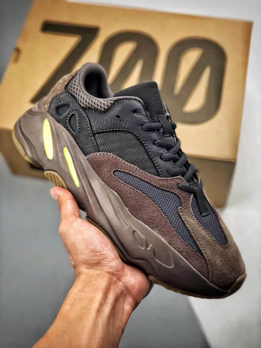 Sneakers fashion, Yeezy, Casual sneakers