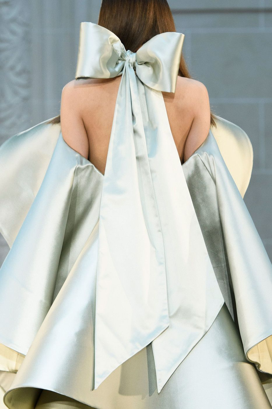 Alexis Mabille at Couture Fall 2016 (Details)