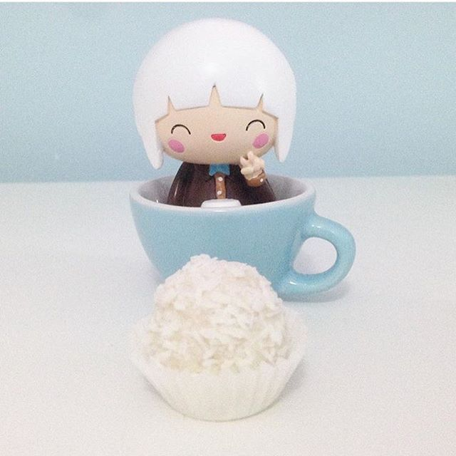 Happy Bean by Momiji A gift for the coffee lover in your life #butfirstcoffee #coffee #coffeelover #coffeeaddict #momijidolls #momiji #blue  Instagram by @deryadenizozcan