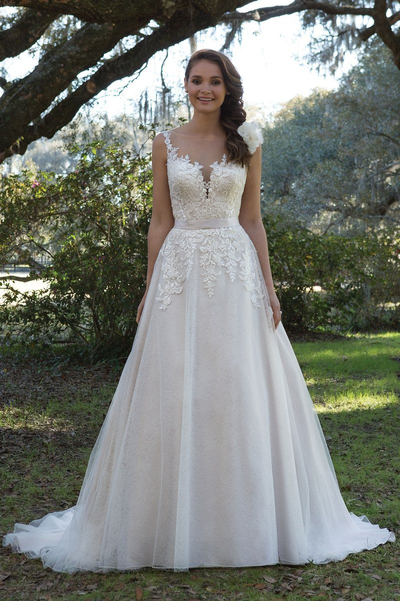 Lace fit and flare wedding dress with sleeves  Sweetheart sweetheart style   Chantilly lace Gowns and Lace