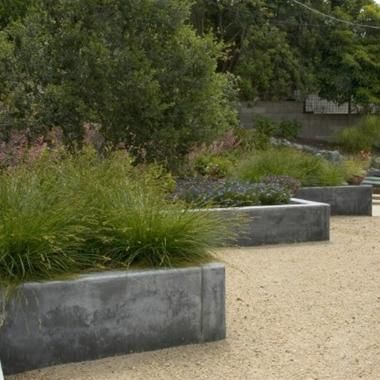 Retaining Wall Material Comparison Landscaping Network Concrete Retaining Walls Modern Landscaping Planter Design