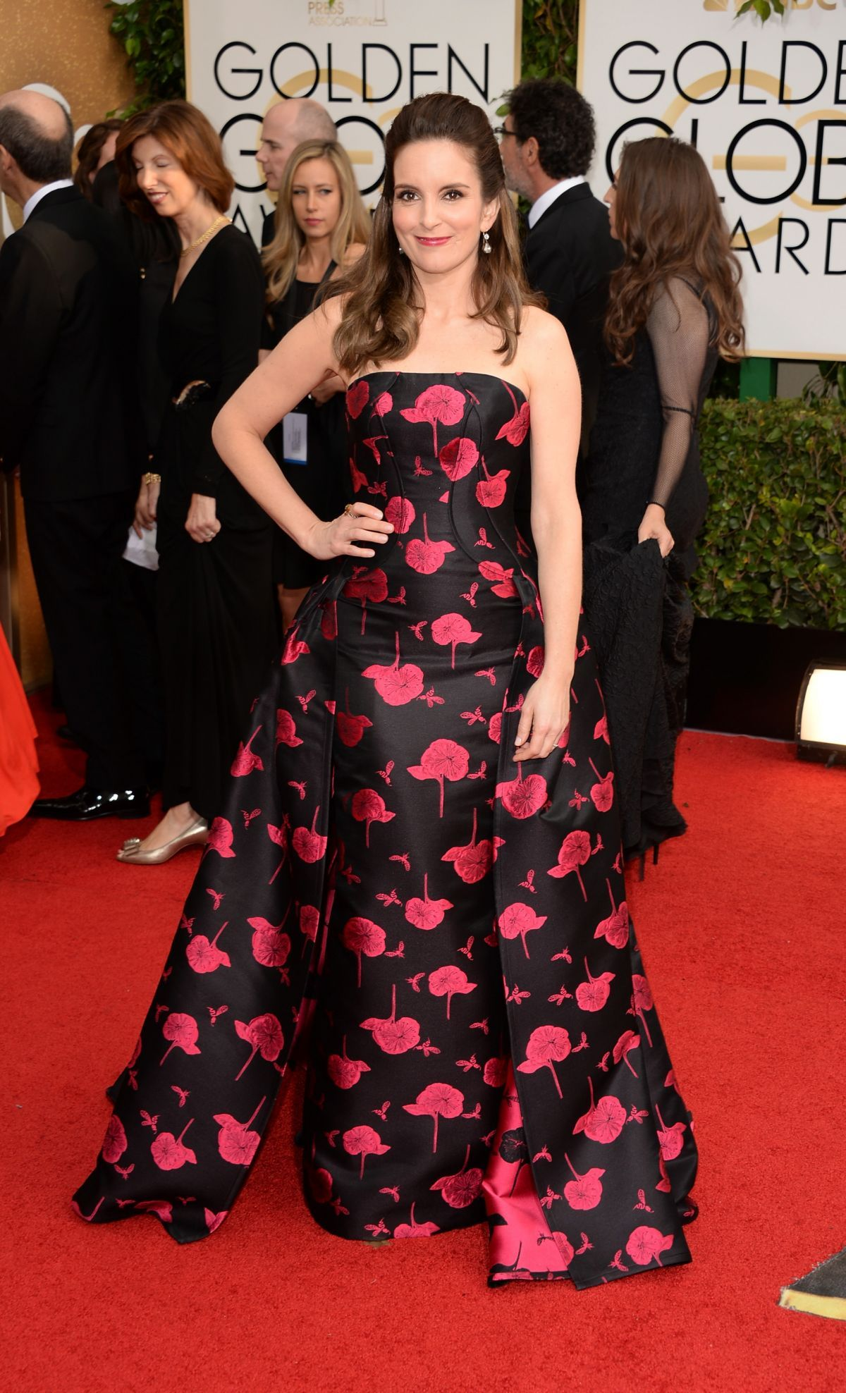Tina Fey At 71st Annual Golden Globe Awards 3 Jpg 1200 1976 Red Carpet Fashion Golden Globes Red Carpet Red Carpet Looks
