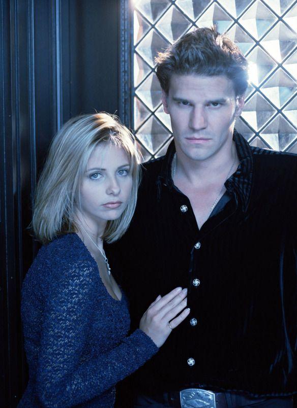 Buffy-Sarah-Michelle-Gellar-David-Boreanaz-Angel-dvdbash20