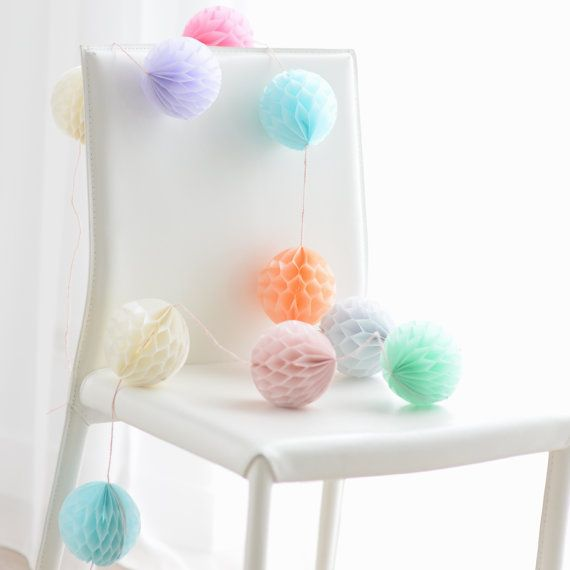Honeycomb garland party decoration  weddings / baby by DECOPOMPOMS