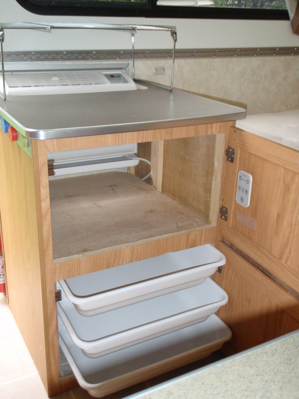 Different type of air conditioner Aliner campers, Camper