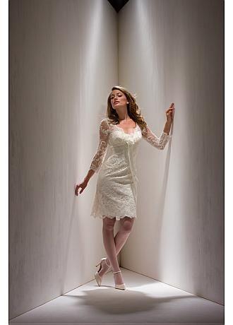 Elegant Satin knee-length Mother of the Bride Dress in Fashion Design
