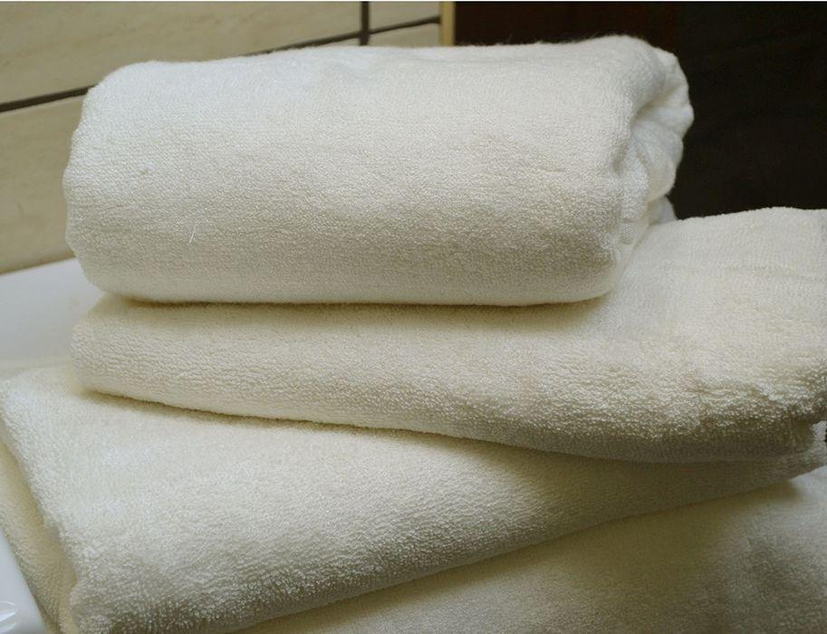 Zachte handdoeken? Bamboe! Bamboe is meer dan super zacht: het neemt tot 3 keer sneller en meer vocht op dan katoen. Het is anti allergisch, anti schimmel en ho