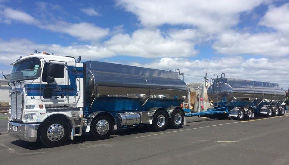 Kenworth K200 Milk Tanker Kenworth Trucks Kenworth Fuel Truck