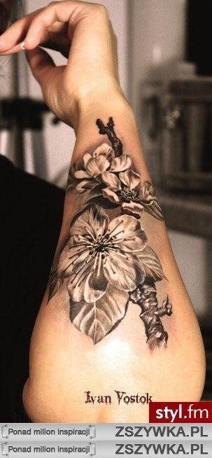 Wzory Tatuaży Damskich Na Reke Szukaj W Google Tatuaż