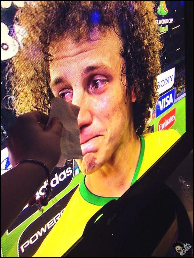 O dia que a Seleção Brasileira ficou de quatro pra Alemanha na própria casa