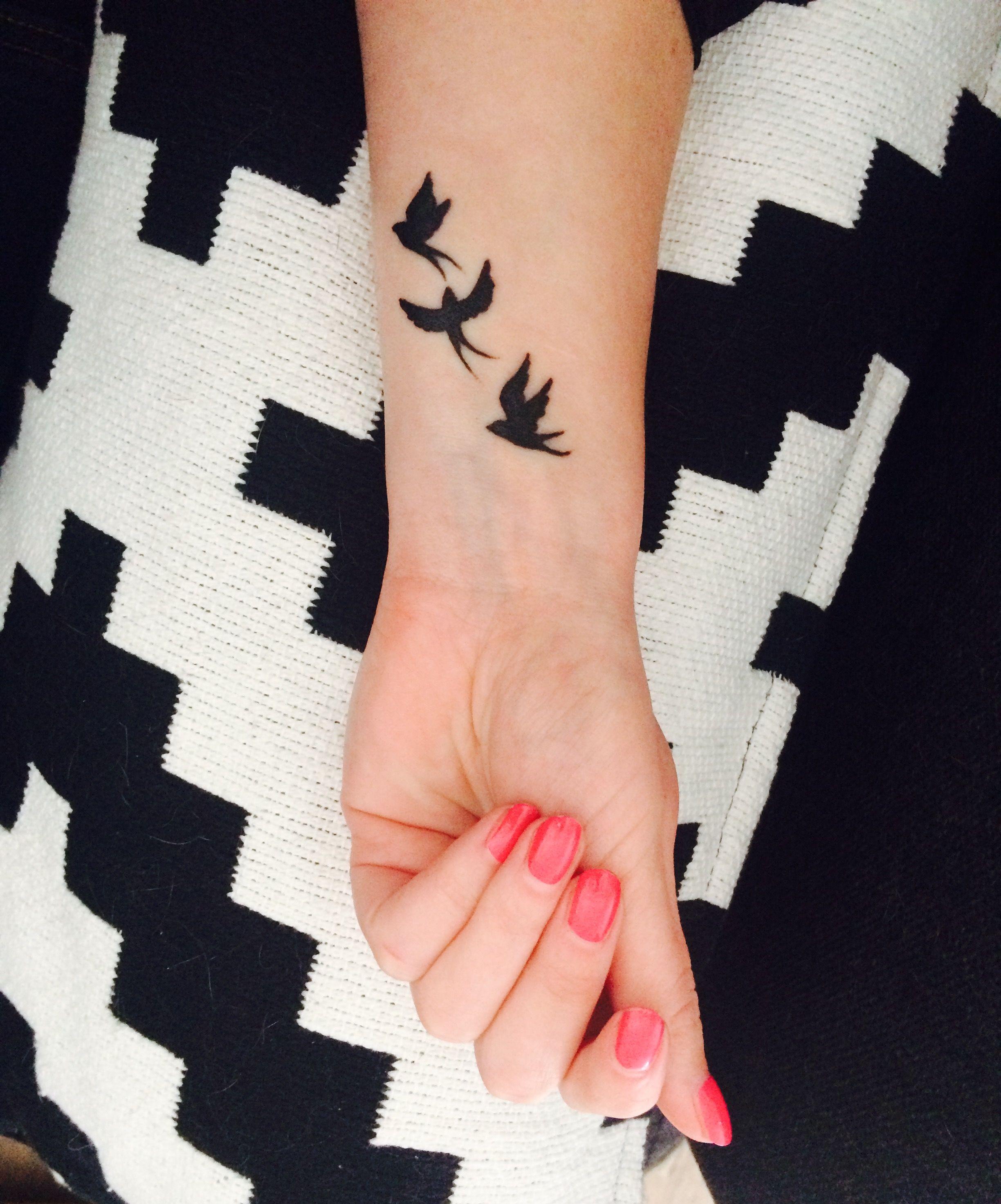 zwaluw, tattoo, pols | tattoos - tatoeage ideeën, zwaluw tatoeage en