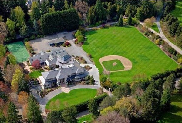 The World S Most Famous Homes With Sports Courts Backyard Baseball Woodway Outdoor Retreat