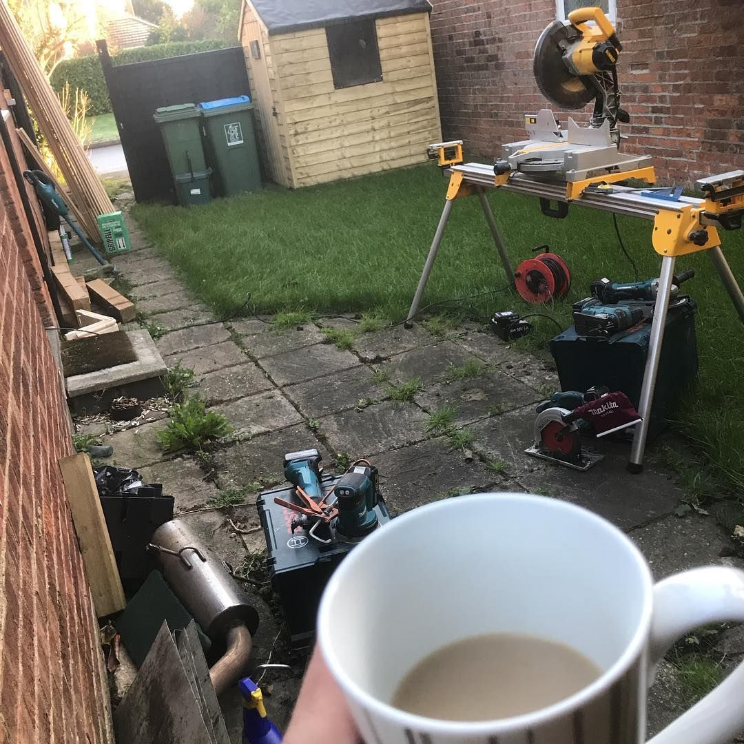 A brew with a skirting set up kind of view #carpentry #carpenter #construction #woodwork #makita #tools #powertools #renovation #builder #homeimprovement #tradie #tradielife #chippy #chippylife #contractor #makita #handtools #home #tradesman #trimcarpentry #contractorsofinstagram