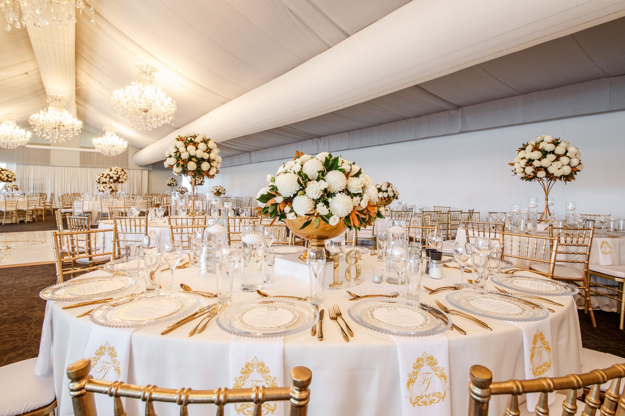 wedding receptions gold coast qld%0A Partyhelp Brisbane has a range of wedding reception venues that are  suitable for quality cocktail wedding receptions  http   www partyhelpbrisbane c u