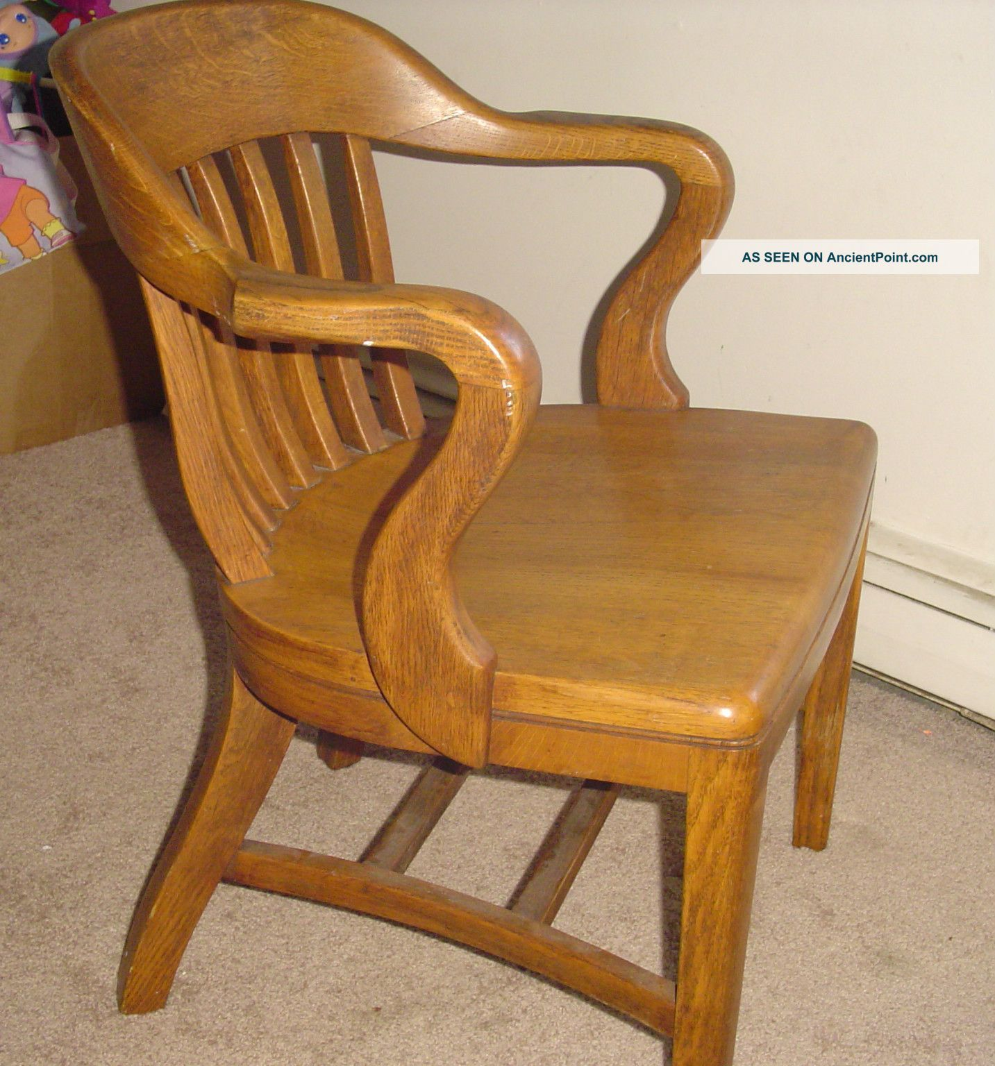 Antique wooden chairs with arms - Antique Oak Office Jury Court Bankers Chair Vintage 1900 1950 Photo