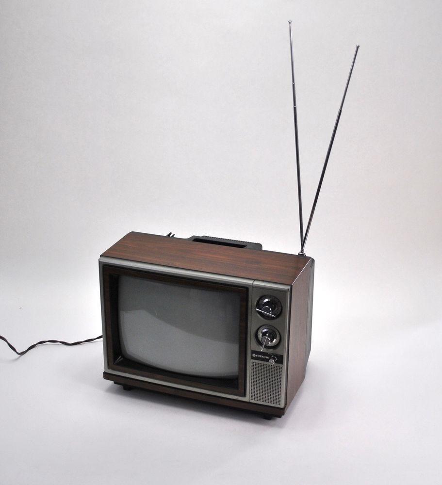 Hitachi 13 Inch Solid State Vintage 1985 Color Tv Ct13c2 Television Receiver Hitachi Hitachi Television Receiver