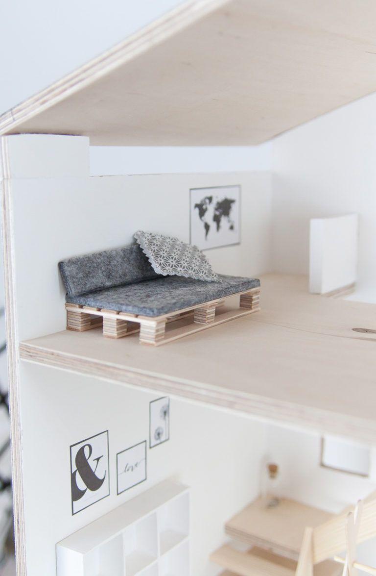 Selbstgebautes Puppenhaus im Skandi-Look mit Anleitung