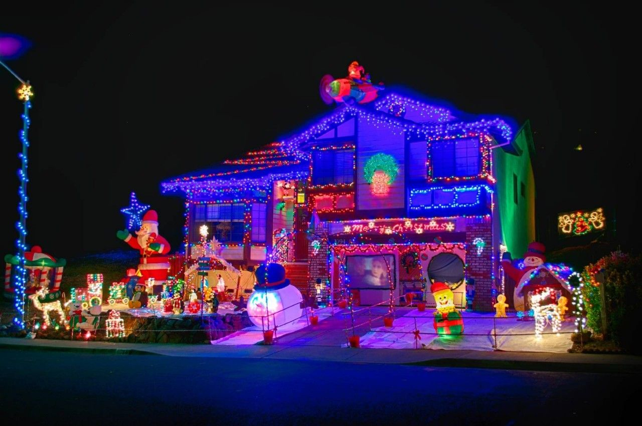These Are Some Of The Most Beautiful Christmas Light