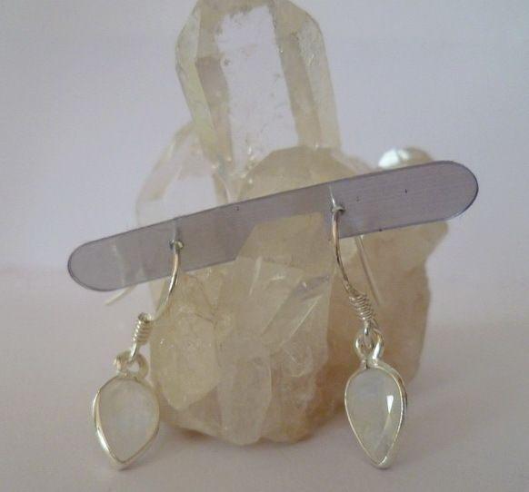 Ohrhänger - ✿ Sterlingohrhänger mit Mondsteintropfen ✿ - ein Designerstück von Cafe-bijoux bei DaWanda