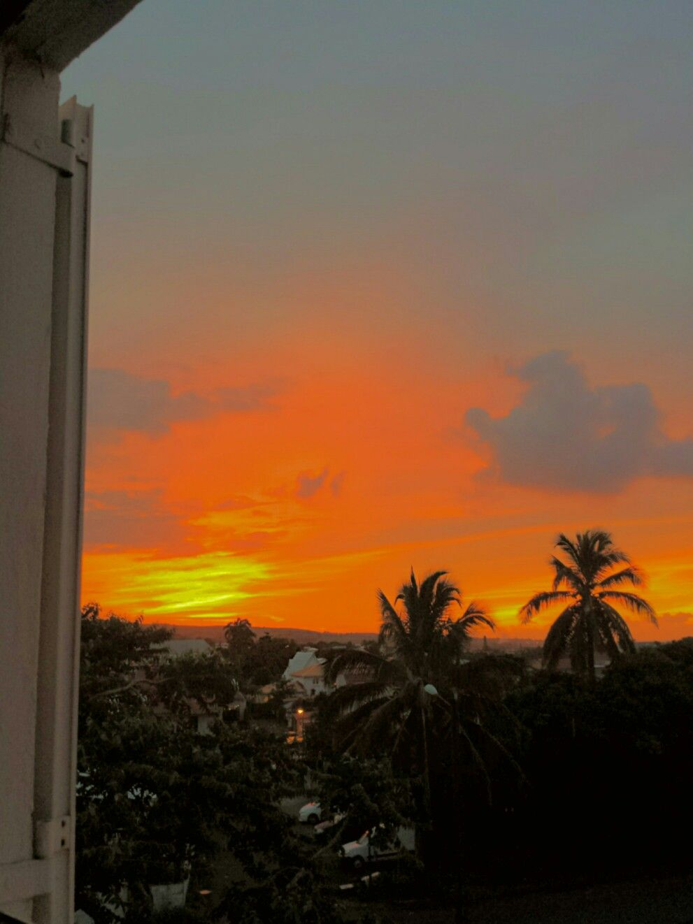 Sunset In Reunion Islande En 2020 Coucher De Soleil Fond D Ecran Telephone La Reunion
