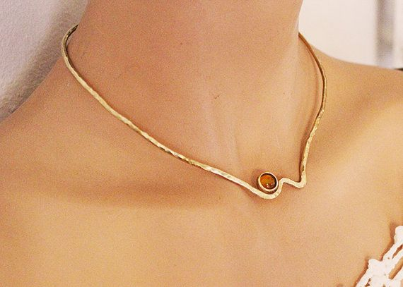 Hey, I found this really awesome Etsy listing at https://www.etsy.com/listing/280672004/minimal-shevron-collarbrass