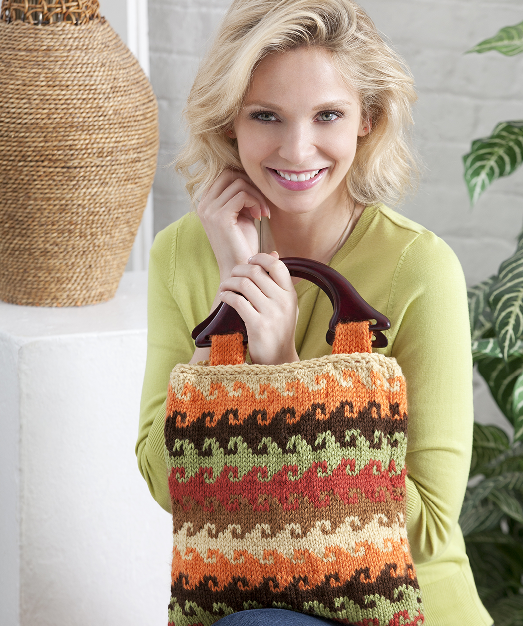 Color Knit Bag Free Pattern by Red Heart yarns #knitting. I just bet ...